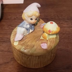 Vintage Homco Elf & Mushroom on Stump Trinket Box